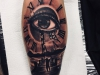 eye_tattoo_clock_auge_uhr_zeiger_kleiner_junge_little_boy_realistic_black_grey_el_color_solido_lohmar_ingo_wirths_treppe.jpg