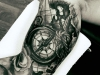 kompass_tattoo_tau_seil_landkarte_card_sailor_wasser_compass_arm_realistic_el_color_solido_lohmar_ingo_wirths.jpg