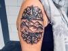 mandala_tattoo_compass_kompass_berge_hills_dotwork_dots_arm_blackwork_el_color_solido_lohmar_ingo_wirths.jpg