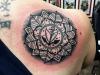 mandala_tattoo_glaube_liebe_hoffnung_dotwork_leaves_herz_anker_love_hope_faith_el_color_solido_ingo_wirths.jpg