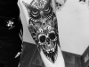 owl_tattoo_eule_schaedel_totenkopf_sugarskull_candy_skull_arm_realistic_el_color_solido_lohmar_ingo_wirths.jpg