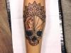 skull_tattoo_mandala_dotwork_dots_blackwork_grafic_abstract_art_geometric_dots_el_color_solido_lohmar_ingo_wirths.jpg