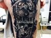 tiger_skull_tattoo_schaedel_leg_realistic_abstrakt_grafik_geometrie_geometric_dots_dotwork_el_color_solido_lohmar_ingo_wirths.jpg